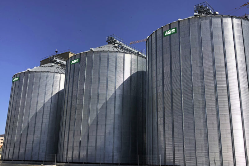 Webcor Group is in the final phase of constructing a grain storage project in Lobito, Angola, at a port facility, with the help of AGI EMEA. The strategic project could serve as southern Angola's hub to export grains to nearby countries.