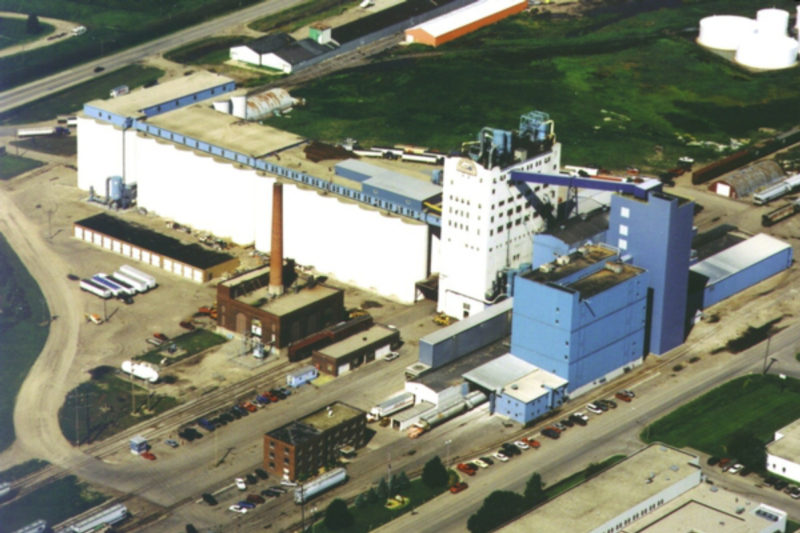North Dakota Mill and Elevator Association in Grand Forks, North Dakota, is the largest mill in the United States, by capacity. Its combined wheat and durum capacity is 52,500 cwts. The facility includes eight milling units, a terminal elevator and a packing warehouse to prepare bagged products for shipment, according to the company's web site.