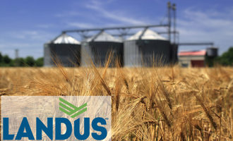 Landus-coop_with-grain-silo