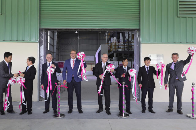 Evonik_-feed-mill-opening-at-nong-lam-university-vietnam_photo-cred-evonik_e