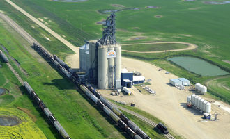 Viterra_grain-handling-facility-at-strongfield-saskatchewan-canada_photo-cred-vittera_e