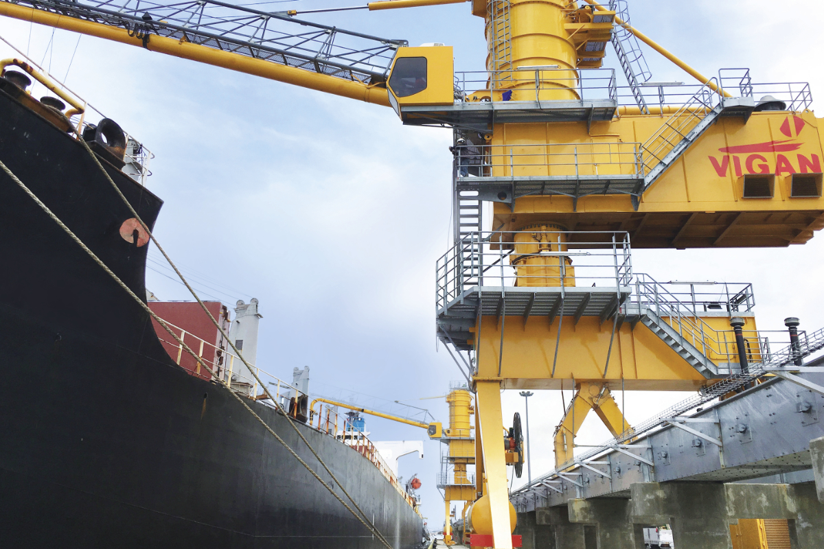 ship loaders and unloaders