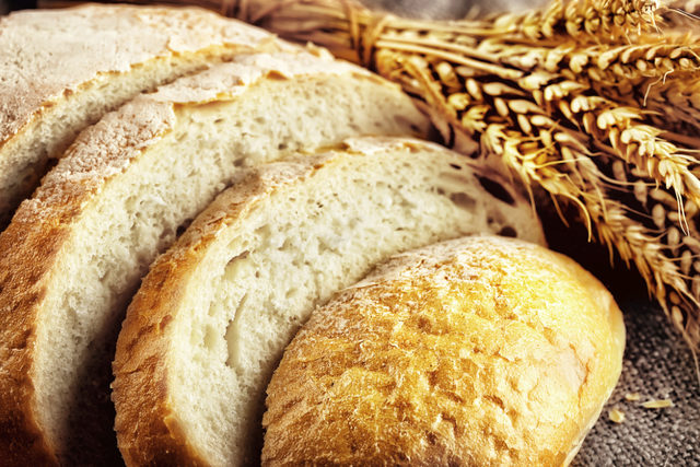 Bread-and-wheat_adobestock_88102441_e