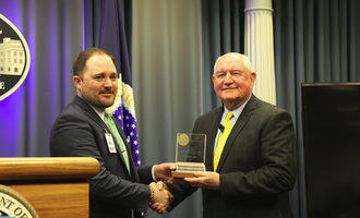 National-sorghum-producers_us-ag-secretary-sonny-perdue-recives-nsp-award-jan-2019_photo-cred-nsp_e