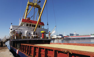 Trade-wars-impact-on-grain-shipping_adobestock_40681156_e