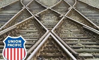 Union-pacific_logo-on-railroad-tracks_e