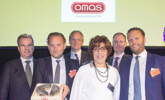 Omas steel division receives supplier excellence award photo cred omas e