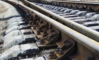 Rail_adobestock_131754655_e