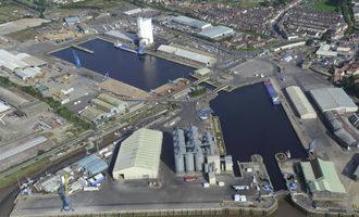 Associated-british-ports_bentinck-grain-silo-at-port-of-kings-lynn_photo-courtesy-of-associated-british-ports_e