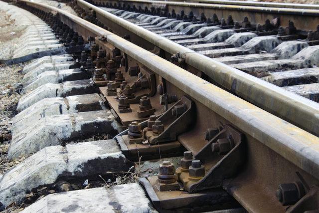 Rail_adobestock_131754655_e2