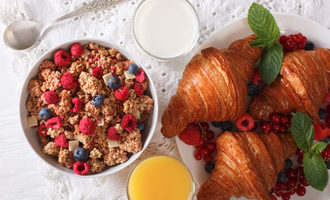 Cerealcroissant photo adobe stock e