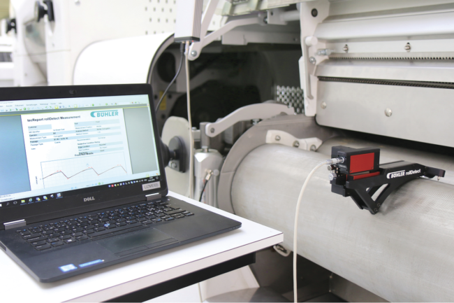 portable tactile device for measuring the surface condition of smooth and corrugated rolls