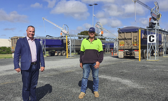Viterra viterra western region operations manager nick pratt with strategic site committee chair mick dahlitz in front of the new infrastructure at cummins photo cred viterra e