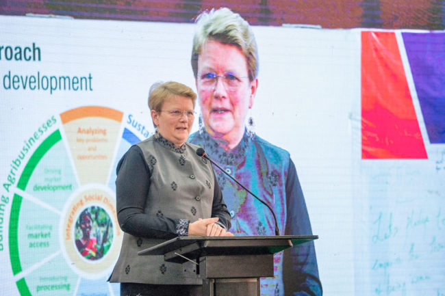 ICRISAT-DG-Jackie-Hughes-addressing-a-past-Agriculture-Summit-smaller.jpg